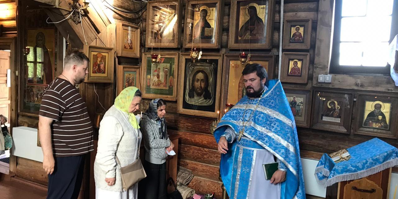 Служба в день памяти священномученика Владимира Четверина