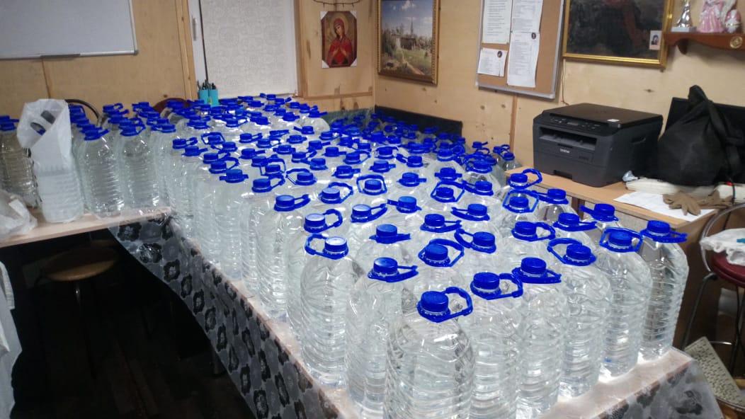 В храме есть крещенская вода!